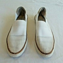 Women's UGG White Sammy Slip On  Shoes Size 9 - $19.57