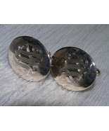 Vintage Pair of Light Goldtone Oval with Etched Swirls Cuff Links – - $7.69