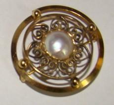 Vtg Wells Round Pearl Filigree Ladies Brooch Pin 14kt Gold Filled - $9.99