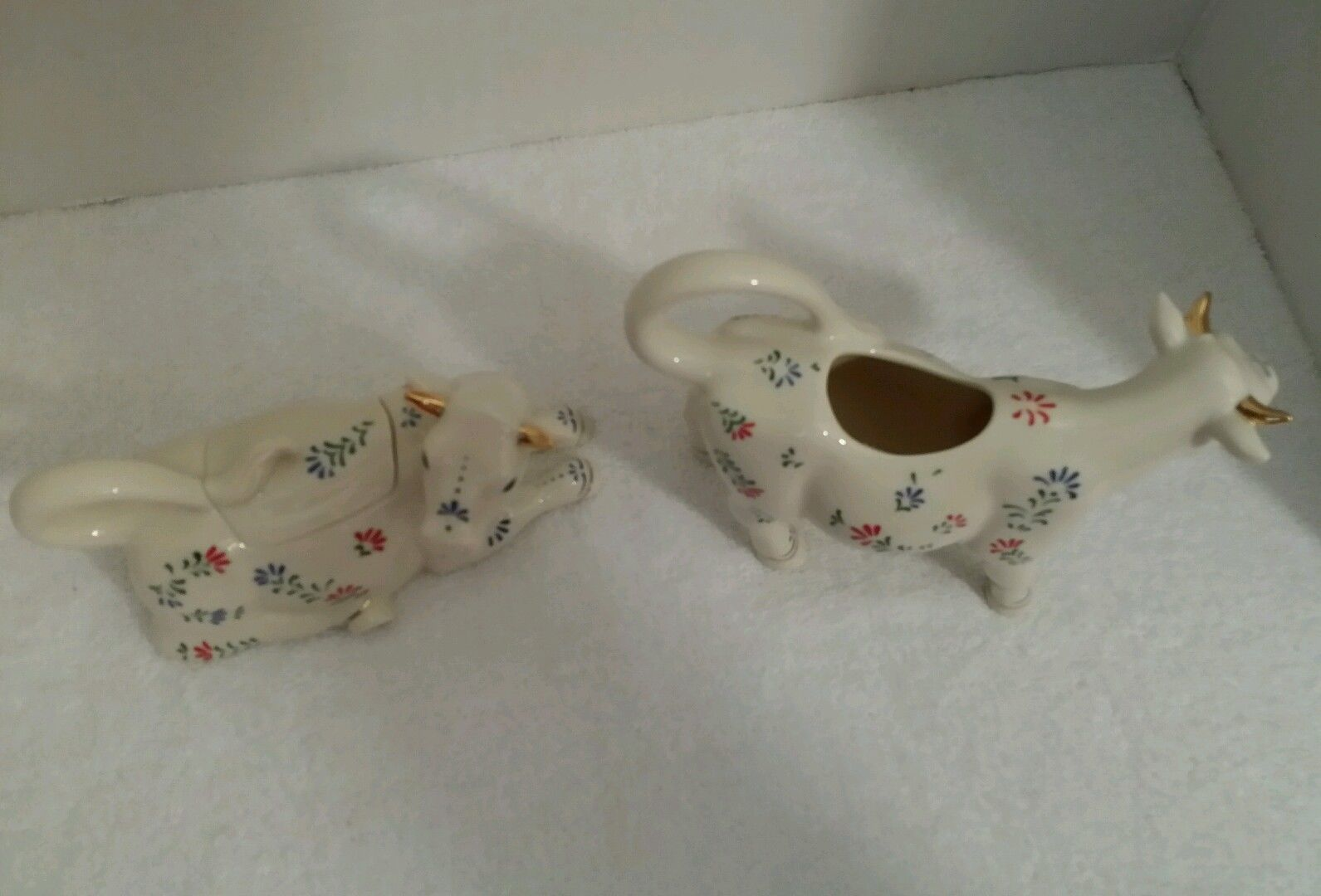 Lenox 2003 The French Country Cow Sugar & Creamer Set