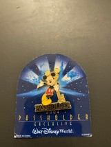Walt Disney World Magic Kingdom Passholder Mickey Mouse With Key Pin Year 2004 - $9.99