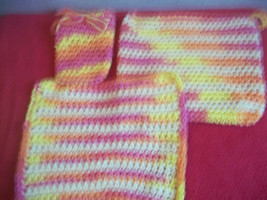Hand Crocheted Multicolor Dish Cloth, Potholder and Soap Saver Set - €8,04 EUR