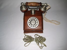 Bell Telephone -1982 - Country Squire Solid Oak Touch-Tone Telephone-E-5... - $150.00