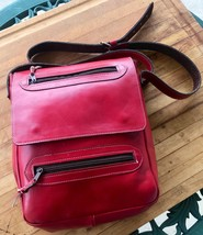 Vtg Red Leather Crossbody Flap Bag Messenger Style Long Strap Lots Of Po... - $32.82