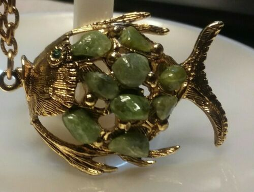 "Primary image for Vintage Jewelry:;1 1/2"" Green Stone Fish Pendant on 24"" Gold Tone Chain 170901"