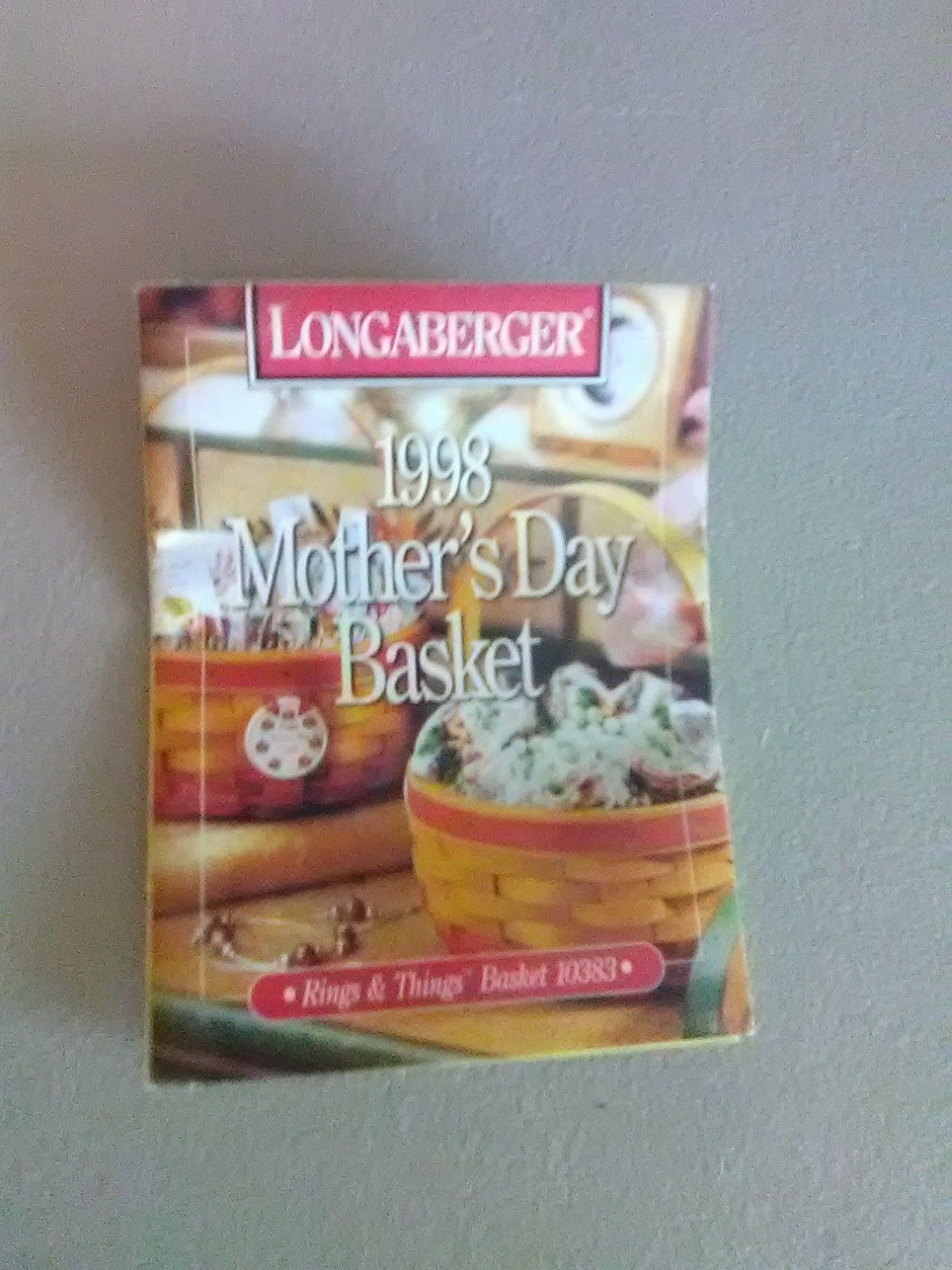 1998 Round Longaberger Mother's Day Basket with Liner image 2