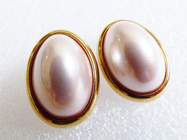 Vintage Gold tone metal Pink oval Pearl faux Trifari signed pierced earr... - $24.75