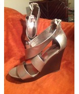 MOSSIMO WOMEN'S 9M GRAY ZIPPERED BACK WEDGE HEEL CRISS CROSS SANDALS SHOES - $21.03