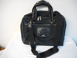 Dockers Carry On Travel Duffle Bag Laptop Tote Black - $295,41 MXN