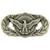 USAF Security Police Basic Qualification Badge Pin - $9.89