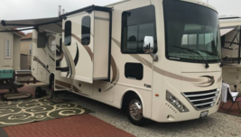 2018 Thor Motor Coach Hurricane 31Z FOR SALE IN Bakersfield, CA 93311 image 1