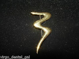 VTG TRIFARI Signed Gold Tone Abstract Modern Letter M or Number 3 Brooch... - $19.80