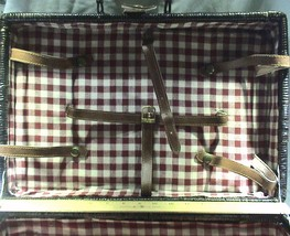 Vintage Collectible Suitcase Style Red Gingham Picnic Basket NO Dishes - $901,84 MXN