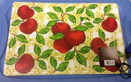 RARE set of 4 Kitchen Decor Vinyl / Foam Back Placemats, APPLES by Townh... - $16.82