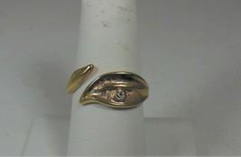 Avon Textured Gold Tone & Rhinestone Leaf Ring - $10.88