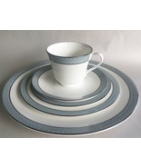 EXCELLENT ROYAL DOULTON ETUDE CHINA 5 PIECE PLACE SETTING - $49.99