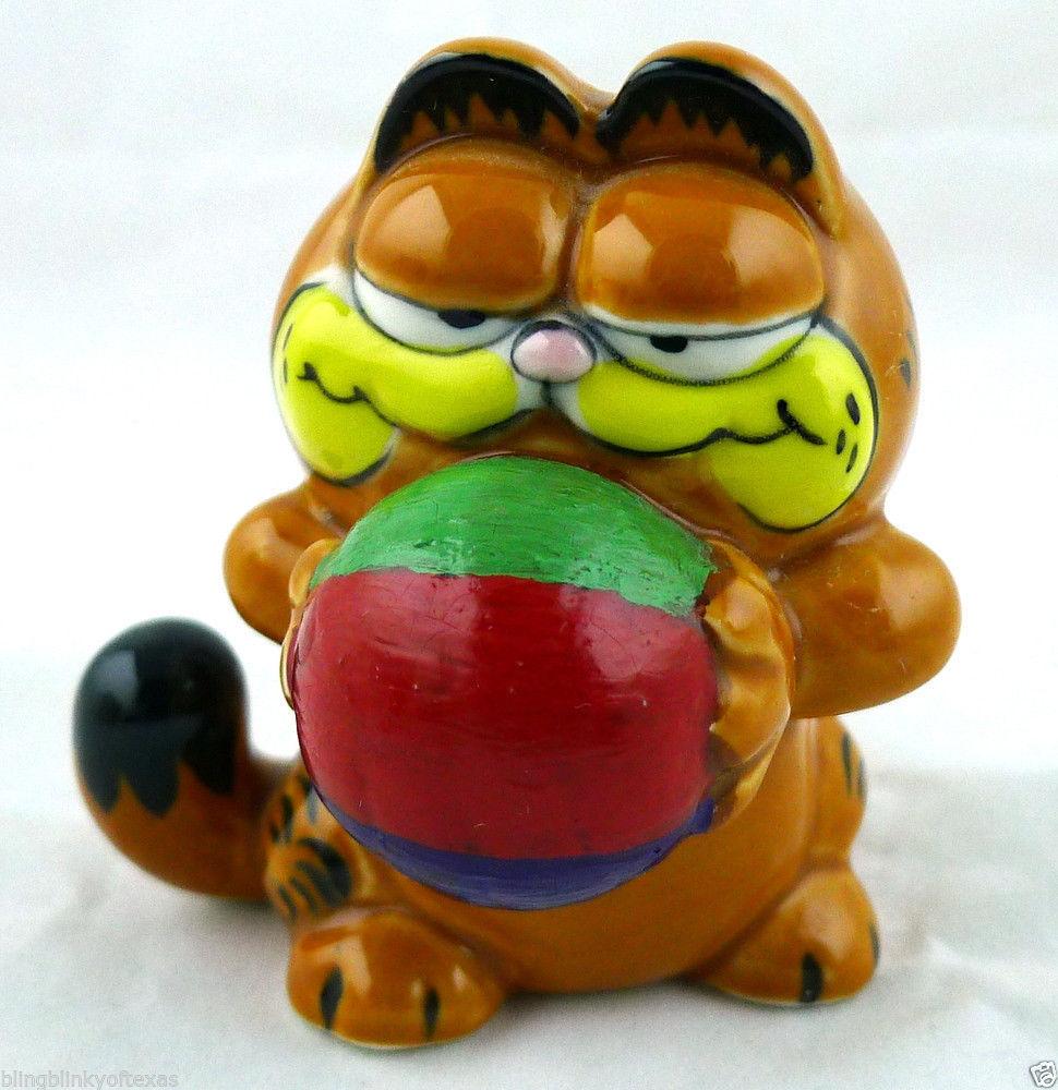 Garfield Cat Ceramic Figurine Enesco 1981