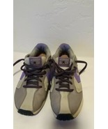 Converse All Star Pro Leather Women Sneakers Size 8 - $16.34