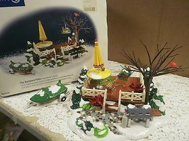 DEPT 56 52836  BACKYARD PATIO ACCESSORY NICE SNOW VILLAGE  D18 - $29.35