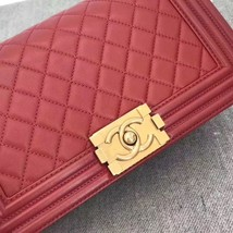 AUTHENTIC NEW CHANEL RED QUILTED LAMBSKIN MEDIUM BOY FLAP BAG GHW image 9
