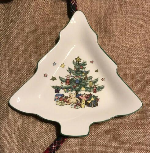 "VINTAGE NIKKO CHRISTMASTIME CANDY NUT DISH 6 3/4"" CHRISTMAS TREE SHAPED JAPAN  - $10.56"