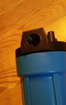 10 inch x 1 inch blue water filter housing image 3