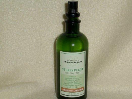Bath & Body Works Lemongrass Cardamom Stress Relief Pillow Mist 4 oz / 118 g
