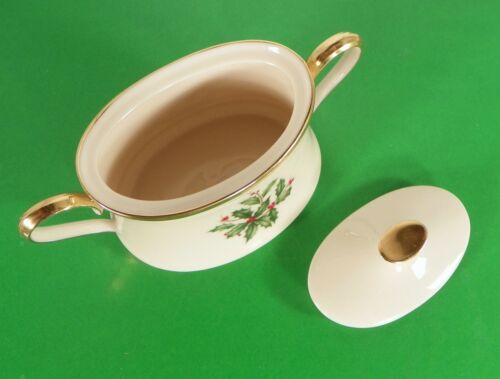 Lenox Dimension HOLIDAY Creamer and Sugar Bowl with Lid Holly Berry image 5
