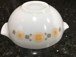 Town & Country VTG Pyrex 4 Quart Cinderella Mixing Bowl #444 - $15.95