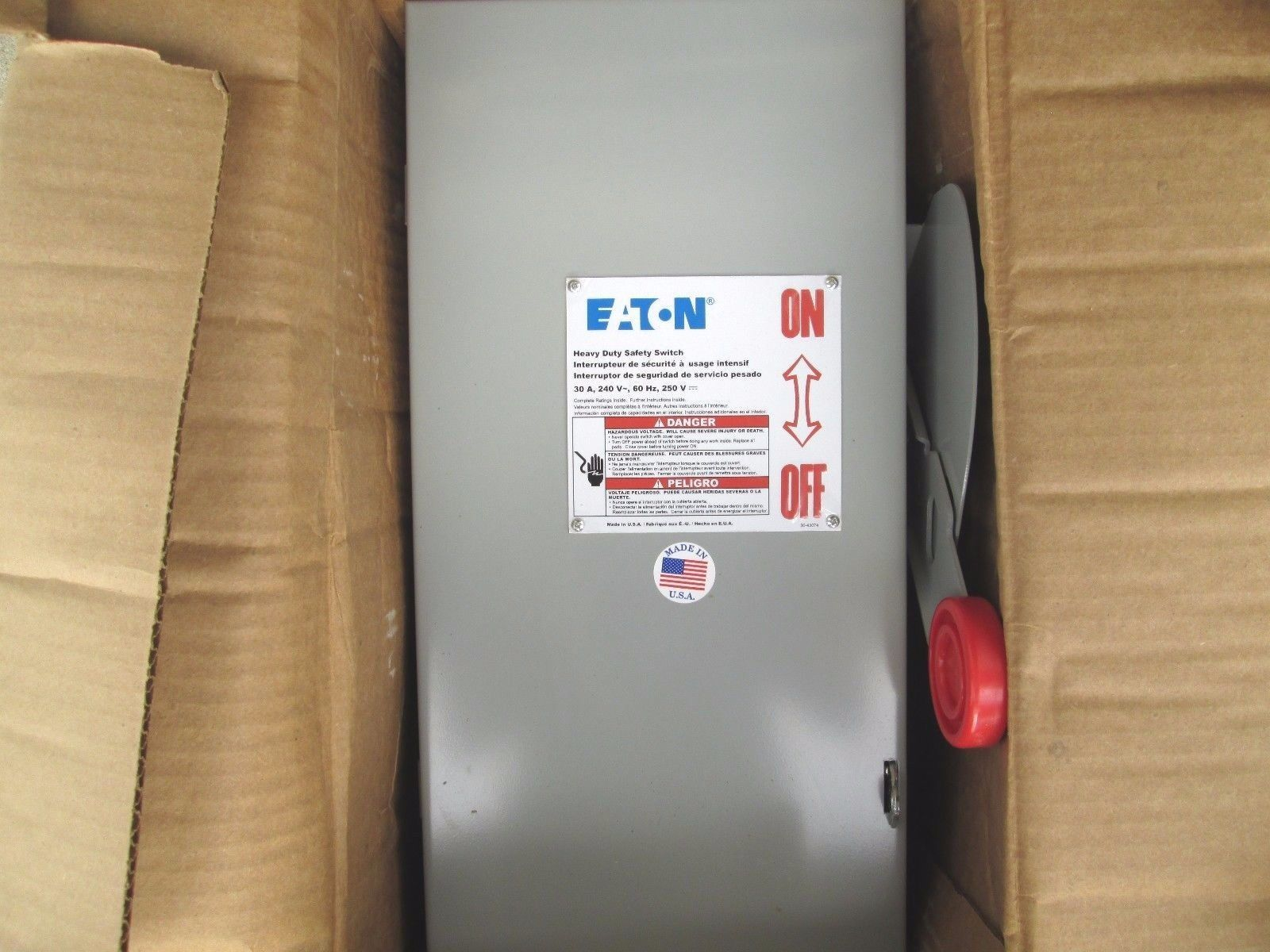 Cutler-Hammer Heavy Duty Safety Switch DH221NGK 30A *New Surplus*