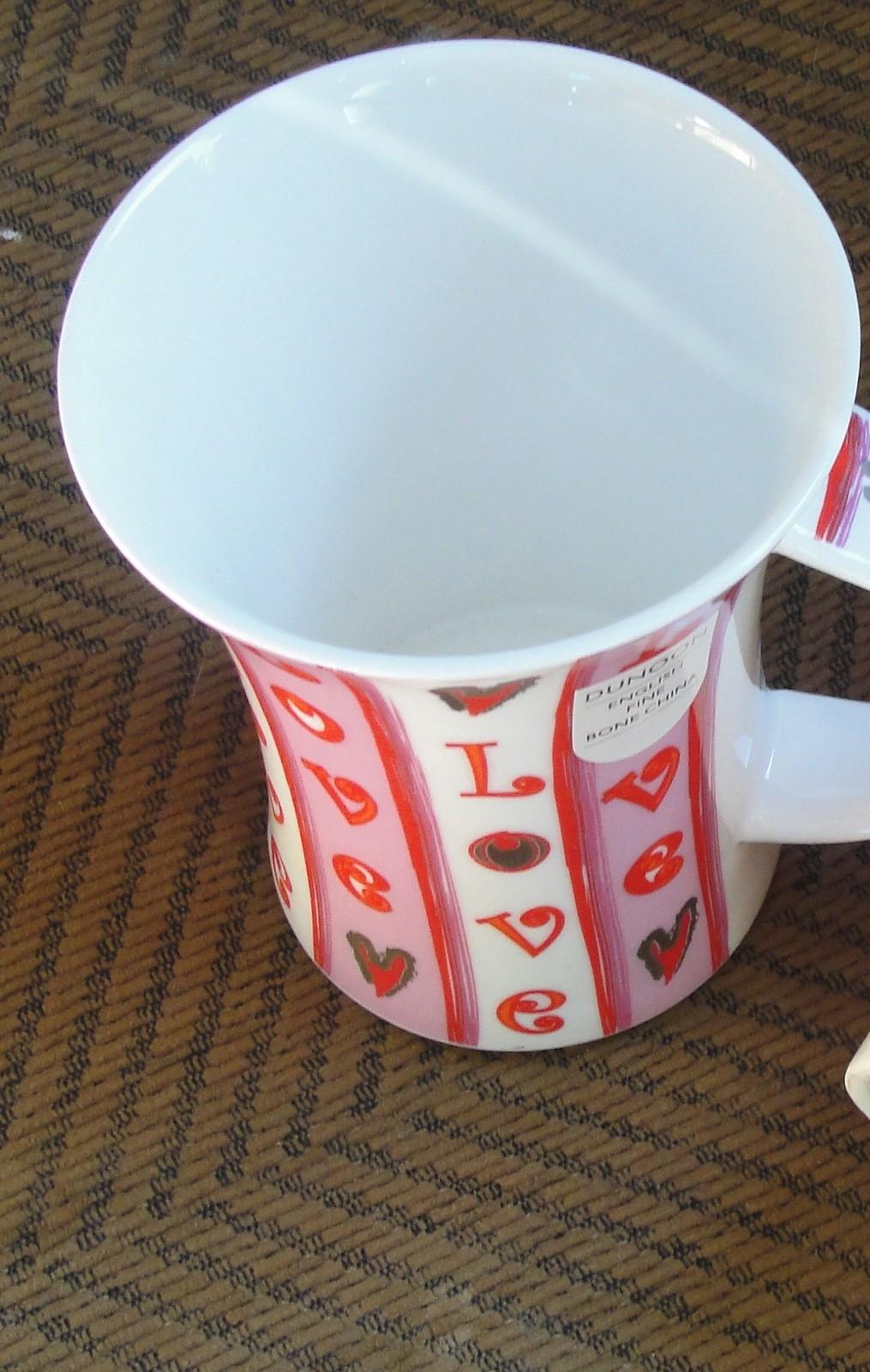 "DUNOON ""LOVE"" Designed By Debora Jedwab Fine Bone China Mug MADE IN ENGLAND NEW"