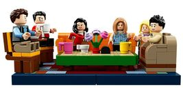 LEGO Ideas 21319 Friends The Television Series Central Perk  image 8
