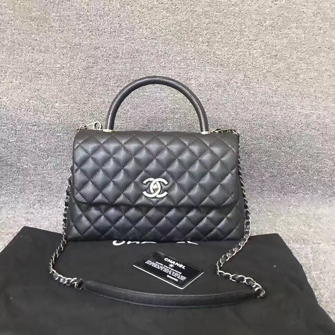 1b5b897e058eac 100% AUTH NEW CHANEL 2016/2017 MEDIUM PYTHON COCO HANDLE BAG BLACK ...