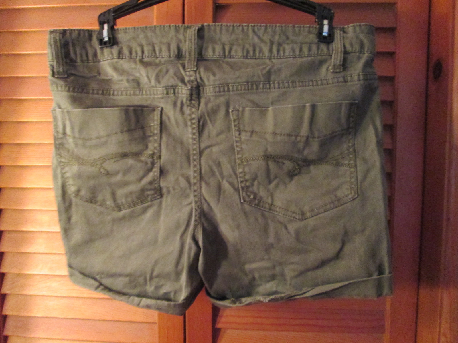 Womens Shorts Size 12 Faded Glory Olive Green TF222/ALS