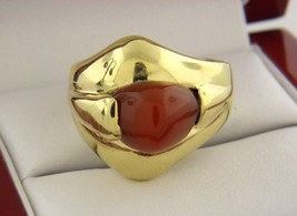 VINTAGE CORAL RING IN  SOLID 18 K YELLOW GOLD  MADE IN ITALY SIZE 9.25 - $811.44