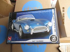 AMT 1963 Shelby Cobra 289 1/25 scale - $27.99