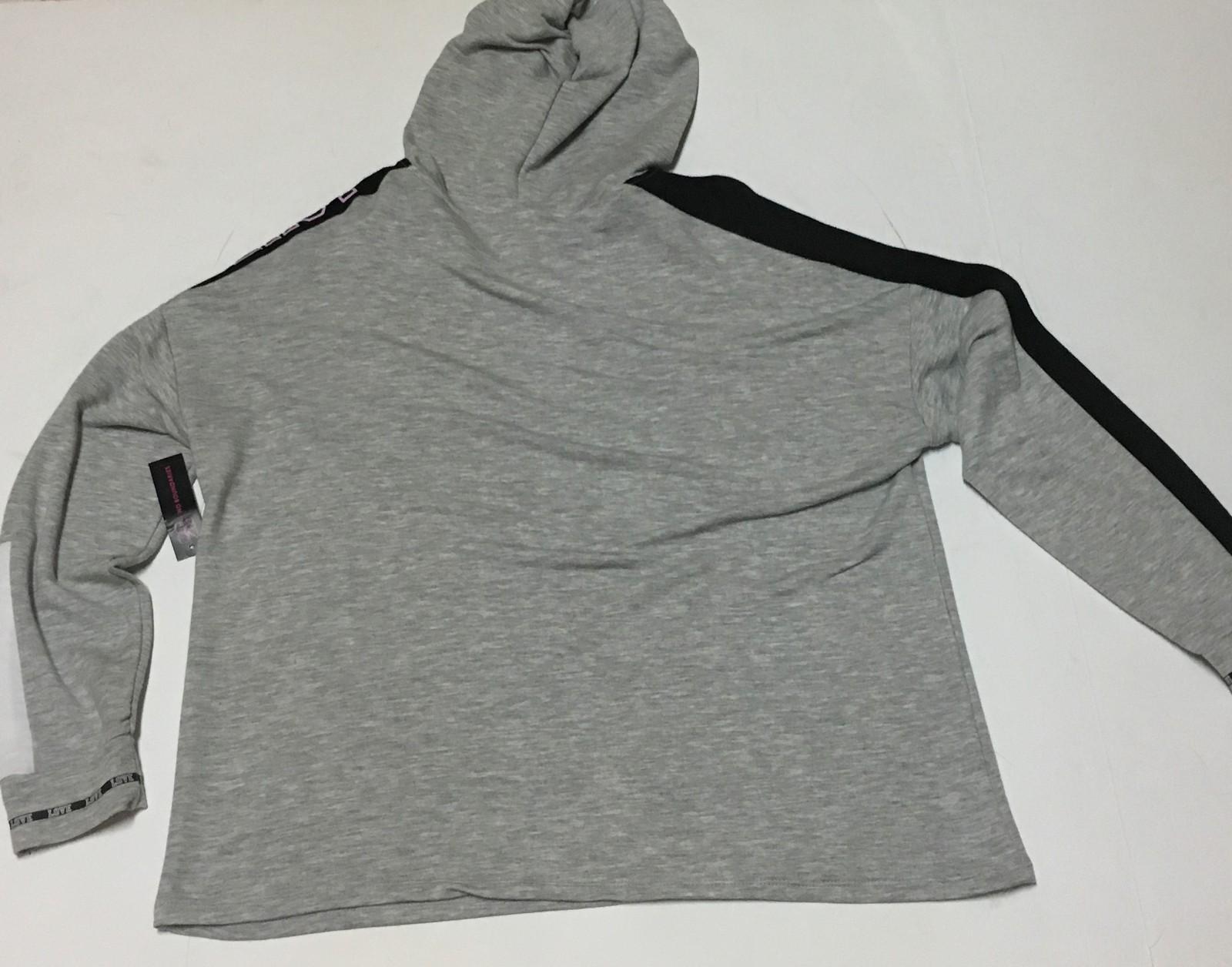 Women's No Boundaries LOVE Shirt Hoodie NWT Sz XL
