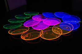 Blacklight Reactive 6 Inch 40ct Plastic Party Plates + FREE Blacklight Balloons - $18.95
