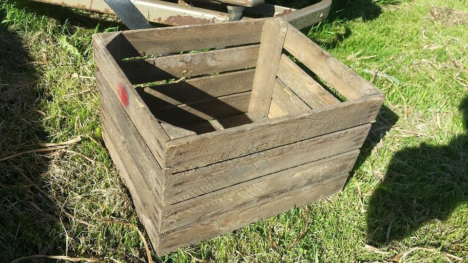 2 x PLANTER VINTAGE RUSTIC FRENCH WOODEN APPLE CRATE GARDEN FLOWER DISPLAY POT