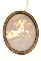 Antique Photograph Cupid Child With Bow & Arrow M.B.Parkinson Oval Wood ... - $502,99 MXN