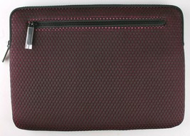 Incase Compact Nylon Sleeve for 13-Inch MacBook Pro Thunderbolt 3  - Mulberry image 2