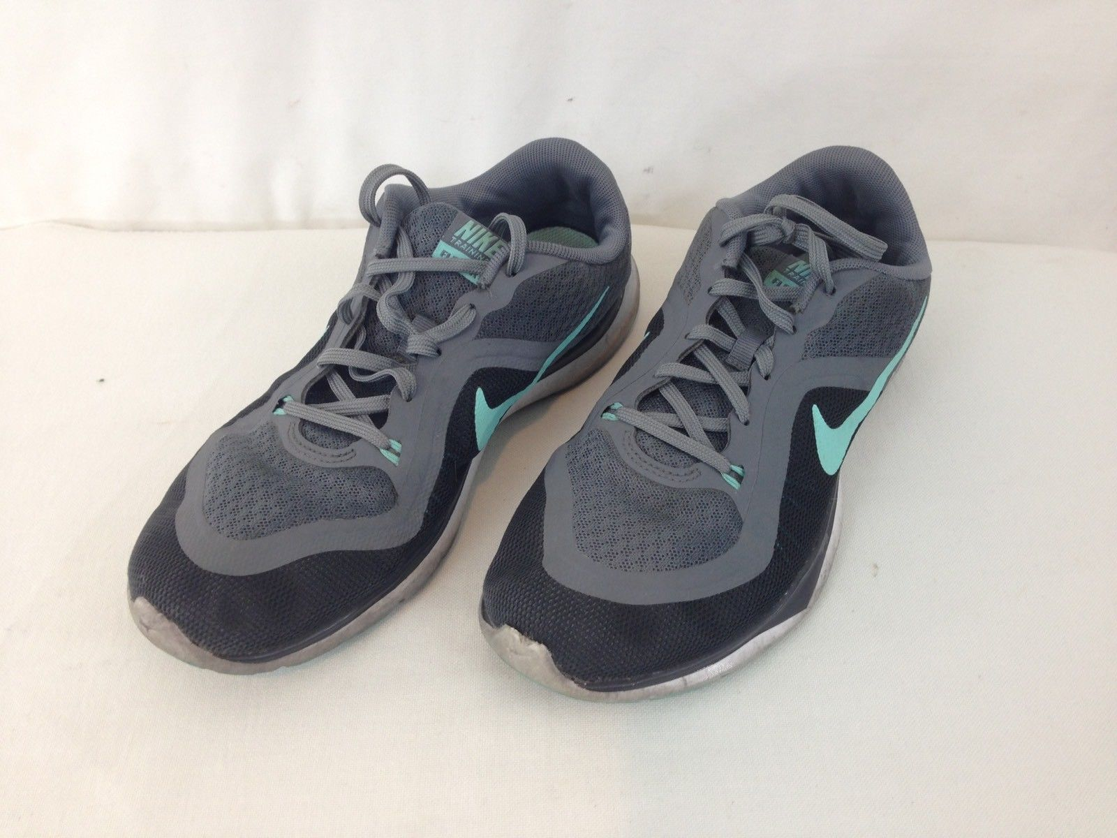 49a5e4f1bf903 S l1600. S l1600. Previous. Nike 831217-004 Training Flex Tr 6 Womens size  8 Gray Teal Walking Running Shoes