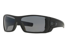 New Oakley Batwolf Matte Black w/Grey Polarized OO9101-04 - $195.94