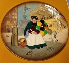 Royal Doulton The Old Balloon Seller Collectors Plate, D6649, England, 9... - $43.31