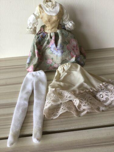 BARBIE DOLL SOUND OF MUSIC MARIA FLORAL SKIRT VEST BLOUSE Dress Stockings Slip T image 3