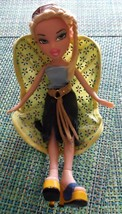 BRATZ 2001 CHLOE with Clothes and Accessories and Chair Cloe - $14.50