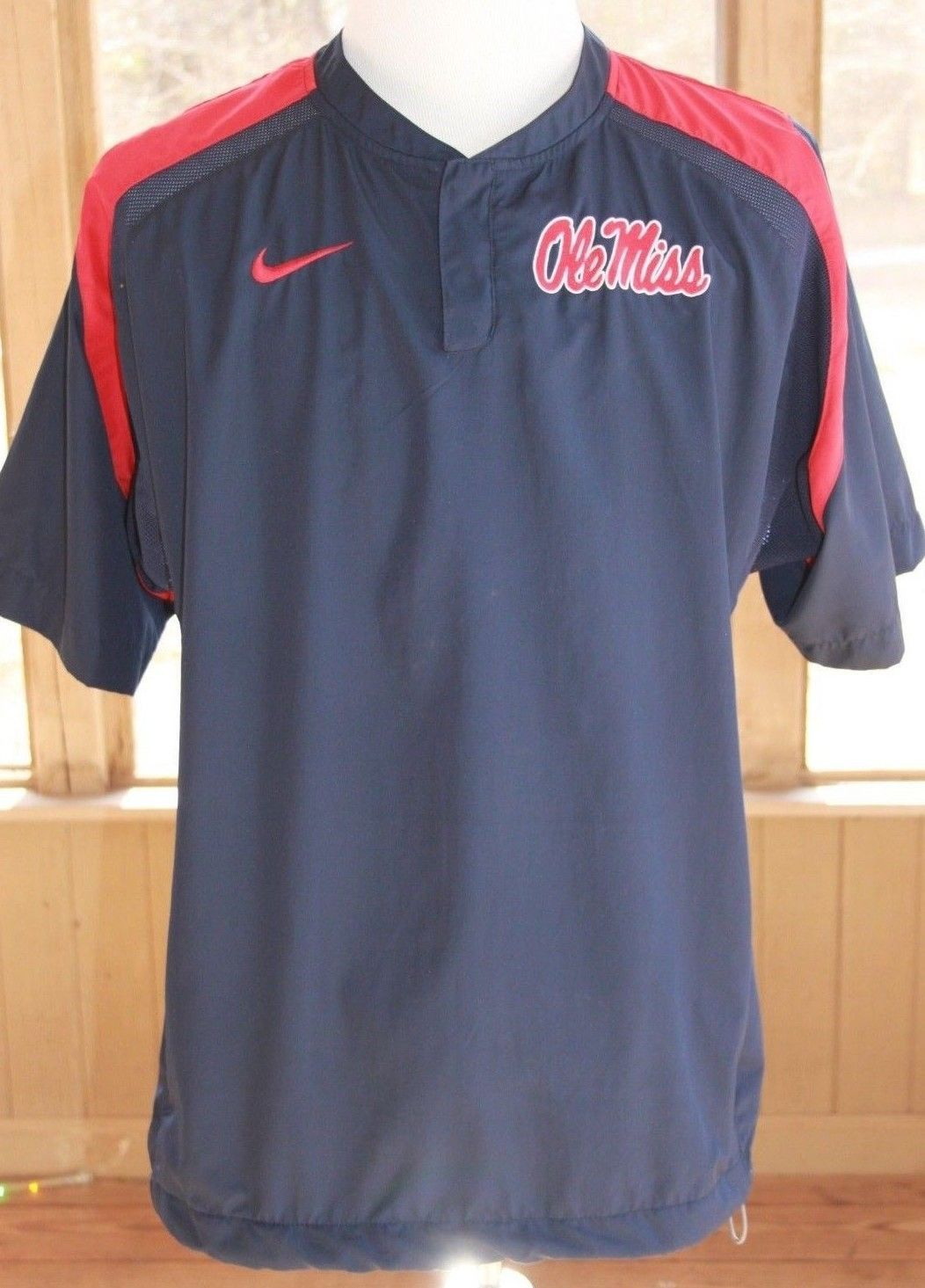 136593e1b Nike Size Large Men's Ole Miss NCAA Windbreaker Pullover Embroidered Shirt  (AM)