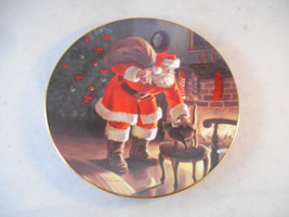 Edwin M. Knowles 1991 Santa's Love Collector's Plate by Tom Browning w/ ... - $14.99
