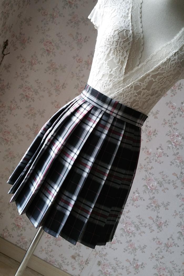 Plaid skirt black pink 4
