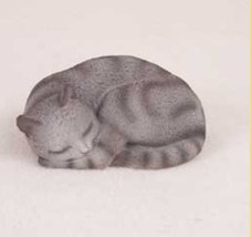 PLEASANT DREAMS SILVER TABBY CAT Figurine Statue Hand Painted Resin Gift - $19.50